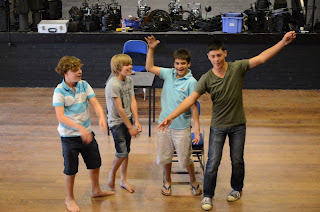 Dramaclasses Drama workshops for schools and businesses
