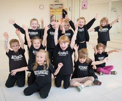Razzamataz Newbury children's musical theatre classes